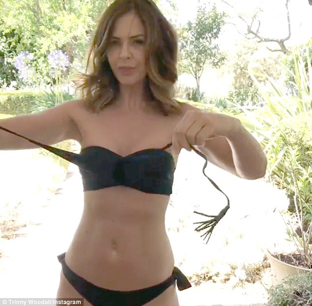 Trinny Woodall Topless photo 6