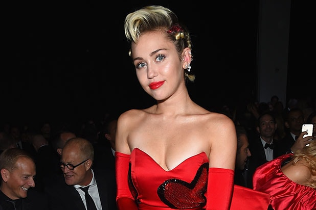 Miley Cyrus Frontal photo 17