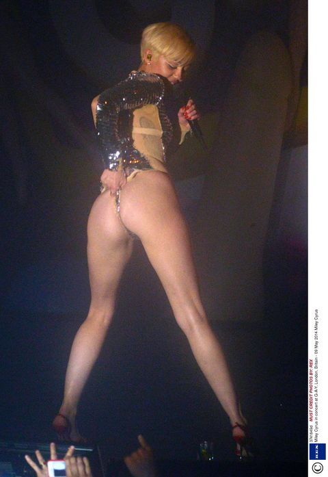 Miley Cyrus Legs And Feet photo 19