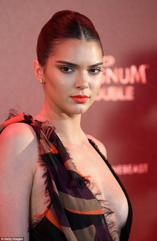 Kendall Jenner Cleavage photo 29