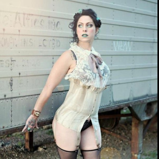 Danielle Colby Sexy Pictures photo 30