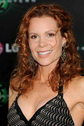 Robyn Lively Sexy photo 25