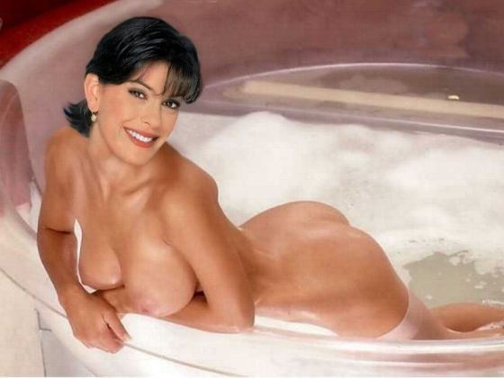 Terry Hatcher Naked photo 21