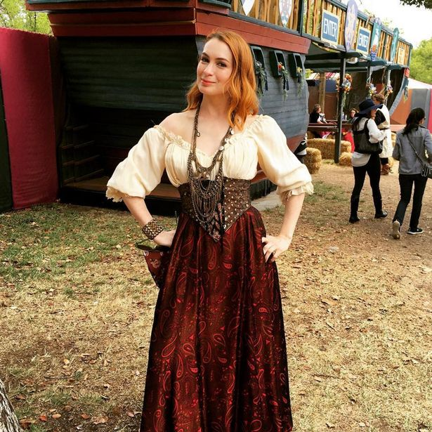 Is Felicia Day Pregnant photo 14