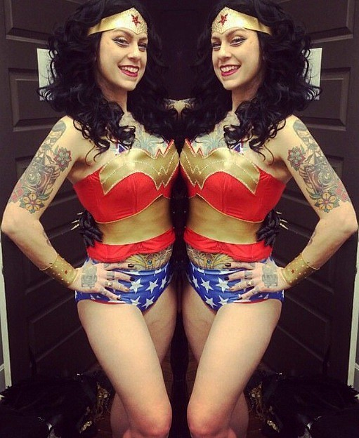 Danielle Colby Sexy Pictures photo 11