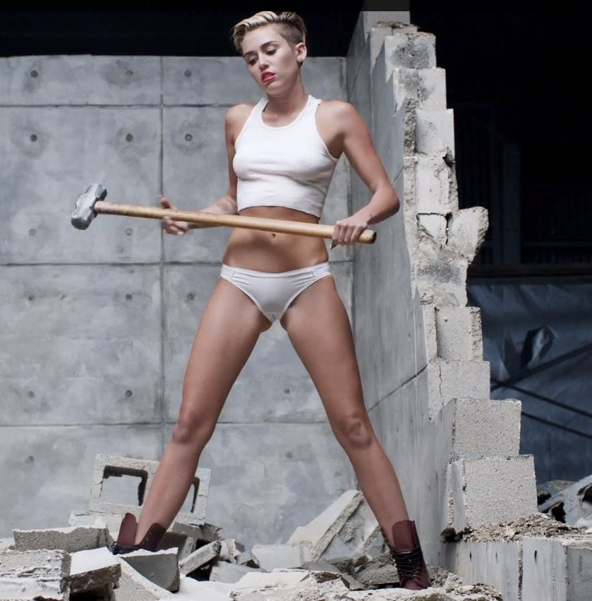 Miley Cyrus Camel Toe Pictures photo 10