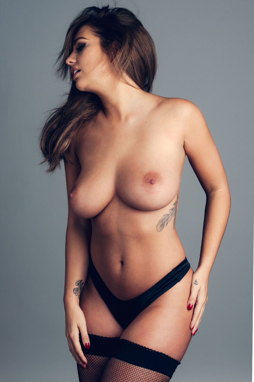 Holly Peers Page 3 photo 26