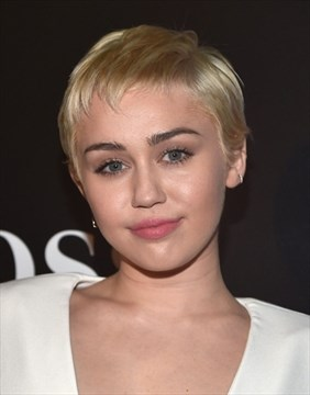Miley Cyrus Frontal photo 5