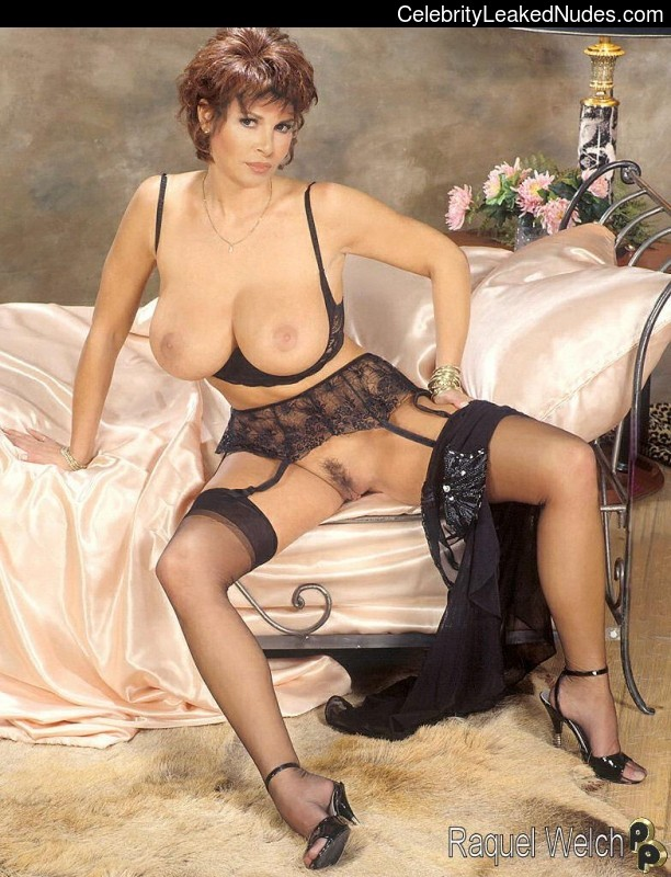 Raquel Welsh Naked photo 27