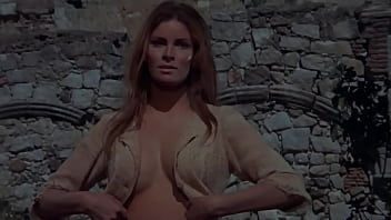 Raquel Welsh Naked photo 28